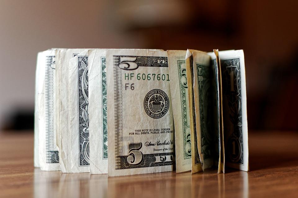 dinero metalico