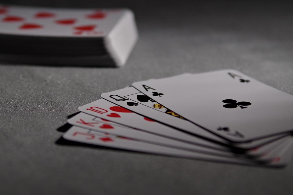 Lecciones de inversión que podemos aprender del póker